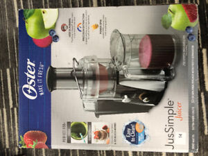 BRAND NEW BOXED OSTER JUICER 900 WATTS