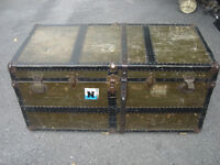VINTAGE ANTIQUE MID CENTURY STEAMER WOOD METAL TRUNK CHEST TABLE