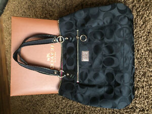 Authentic Coach purse- never been used London Ontario image 5