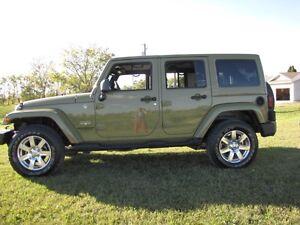 2013 Jeep Wrangler Sahara Unlimited 6 Speed SUV