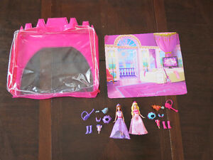 Barbie Princess and the Popstar Small Doll Play Set
