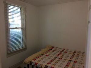 HOUSE FOR RENT (ONLY RENT TO STUDENTS) Windsor Region Ontario image 5