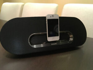 Apple iPhone 4s / iPod Touch with high end dock