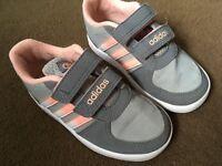 Size 7 adidas trainers children's
