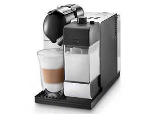 Machine Nespresso Lattissima + Argent