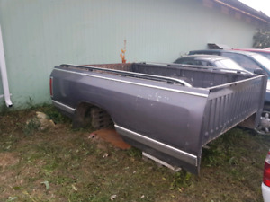 1987 dodge ram box and rear bumper ZERO RUST