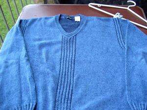 Assorted Sweaters Arizona Blues West Island Greater Montréal image 6