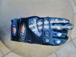 JOE ROCKET SIZE MEDIUM AND LARGE GLOVES Windsor Region Ontario image 2