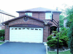 May 01 /17 Lge 4 bdrm House 4 Rent Sq1Mississauga Available
