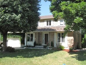 Stittsville - 3 Bedroom Home - In ground Pool