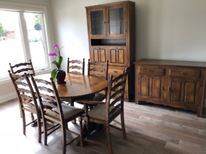 Solid Oak Table & Chairs, Sideboard & Drinks Cabinet