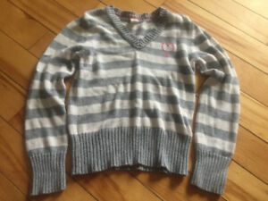 Old navy size medium/ 8 girls sweater