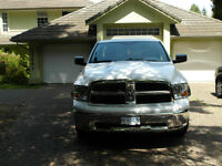2012 Dodge Ram 1500 4 x 4 - (Extented Warranty)