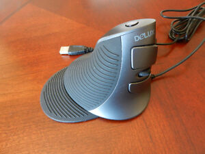 Delux M618 mouse in great condition