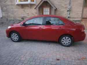 2009 LOW KM Toyota Yaris Sedan Cambridge Kitchener Area image 2