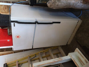 White fridge/ freezer in good working condition