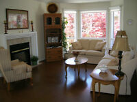 Bright end unit Dilworth town home