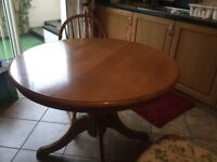 Table in excellent condition plus 4 chairs