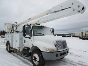 2005 International 4300 w/ 60'  Reach Altec AA755L  Bucket Truck