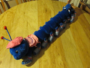 LOTS A LOTS A LEGGGGGGS Stuffed Plush Caterpillar Vintage Toy