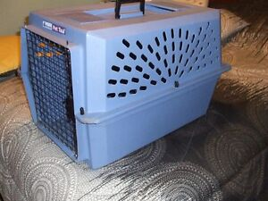 3-PET CARRIERS/ KENNELS/ CAGES