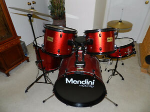 Almost brand new Mendini Standard Full Size Drums Set & Cymbals