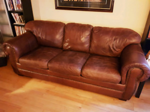 Beautiful rich leather living room couch set