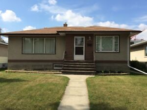 2 BDRM Suite in Kingsway - Across Street from NAIT and LRT