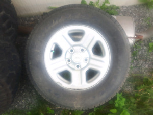 Jeep spare never used. Goodyear 225/75R16