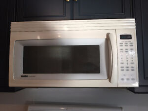 Microwave - Kenmore oven mounted