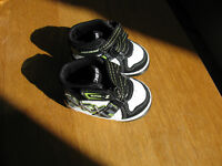 Sketchers sneakers - size 3-6 months