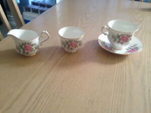 Queen Anne 4 Piece Tea Cup Set $20.00