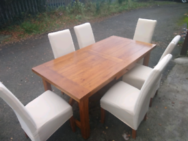 Solid Oak dining table & 6 chairs