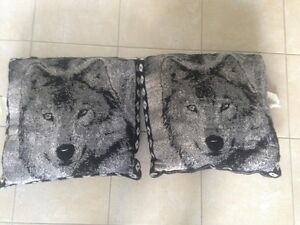 For Sale: Set of 2 Wolf Pillows