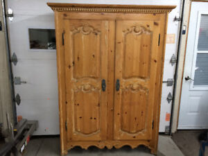 Super belle armoire antique ou vintage