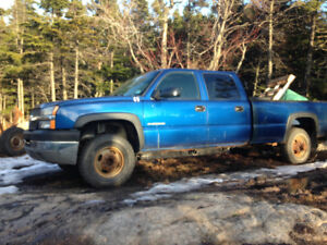 Parting out 2003 2500hd cheverolet Silverado