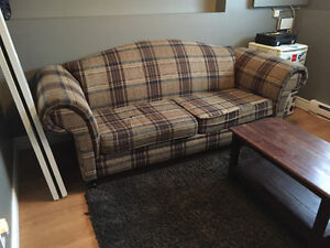 Couch! $25 ONO.