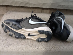 Baseball Cleats/Shoes – Child Size 12, 13 & Youth Size 1
