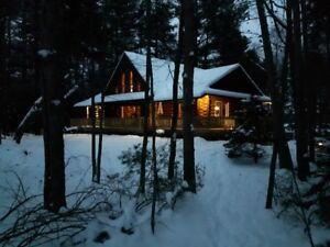 Christmas Cottage Log Cabin Rental in the Port Burwell area