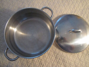 Large Stainless steel Dutch Oven / Stock Pot with Lid