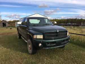2000 Dodge Ram 2500 Sport 24 valve Cummins 5 speed - 8' Box