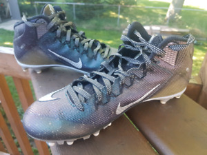 Mens Football cleats size 11.5