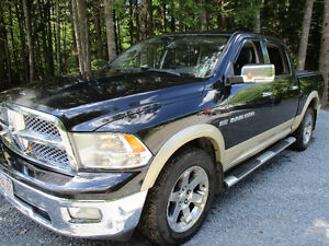 2011 Dodge hemi Power Ram 1500 laramie 4x4 Pickup Truck 5.7