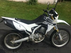 2014 Honda Crf250l street and trail **mint with extras