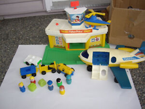 FISHER PRICE AIRPORT W ACCESS 1986-89