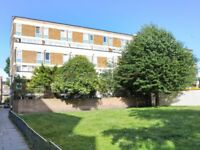 4 bedroom flat in Hitchin Square, Bow E3
