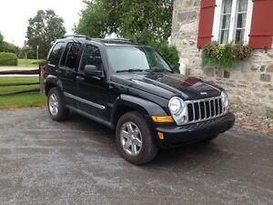 Jeep Liberty 2006 VUS ( SUPER PROPRE)