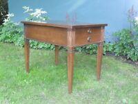 Table de salon retro - vintage / Valleyfield