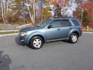 2011 FORD ESCAPE XLT SUV, AWD ONE YEAR WARRANTY INCLUDED