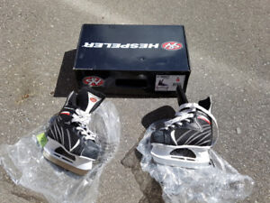 Boys Skates Size Y9 (new condition)